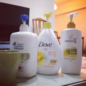 1000ml balení sprcháčů a šamponu