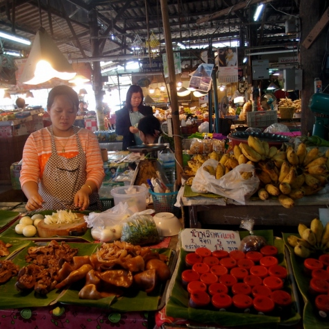 Druhá zastávka: Local market.