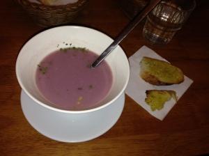 Fialová polívečka
