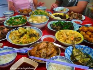 Čínský nový rok - rodinná večeře - ukradeno z internetu